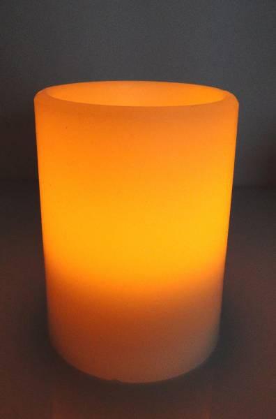 Flammenlose LED Echtwachskerze zum Ein-und Auspusten 10cm
