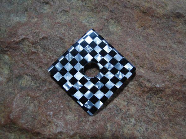 Ringscheibe Acryl Quadrat schwarz-weiß Perlmutt 33mm