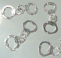 1 Spacer Handschellen 30x12mm Metall silber/platin 21105