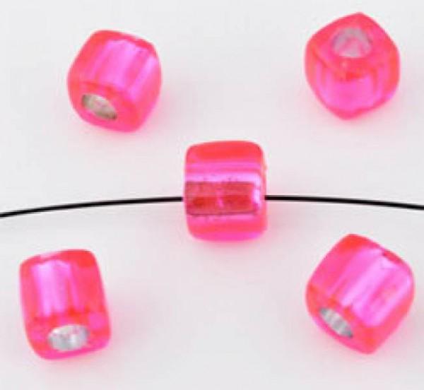 20 Kunststoffperlen pink 7mm Kubus mit Silberfolie 09874