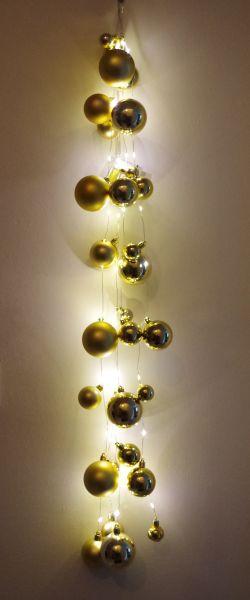 40er LED Drahtlichterkette Batterie mit goldenen Kugeln